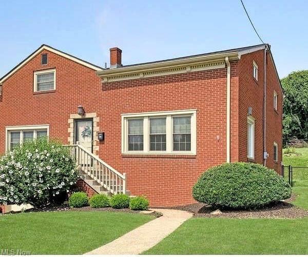 325 Garfield Avenue, Steubenville, OH 43952 (MLS #4304087) :: The Jess Nader Team | REMAX CROSSROADS