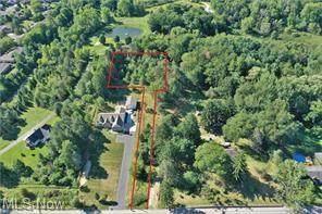 1030 Springdale Drive, Stow, OH 44224 (MLS #4304185) :: Keller Williams Legacy Group Realty