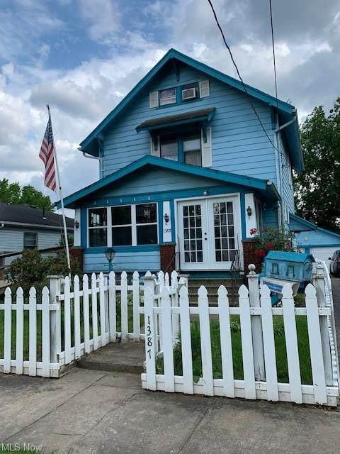 1387 Union, Warren, OH 44485 (MLS #4304404) :: The Holden Agency
