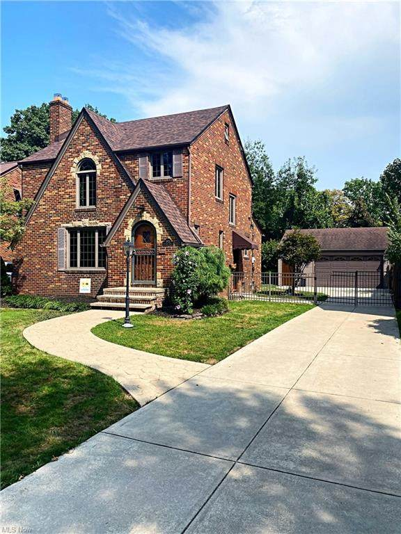 5925 Brookside Drive, Cleveland, OH 44144 (MLS #4304481) :: Simply Better Realty