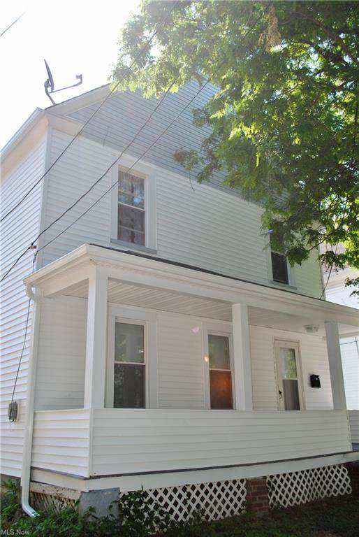 2111 Dowd Avenue, Lakewood, OH 44107 (MLS #4306932) :: Keller Williams Legacy Group Realty