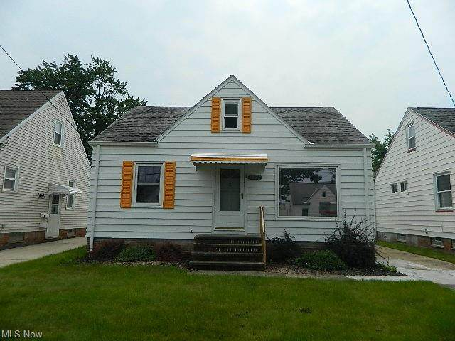 6227 Traymore Avenue, Brooklyn, OH 44144 (MLS #4307940) :: The Holden Agency