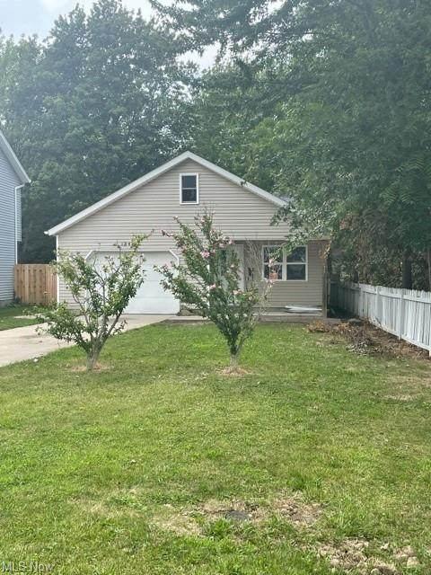 1342 E 345th Street, Eastlake, OH 44095 (MLS #4309805) :: TG Real Estate