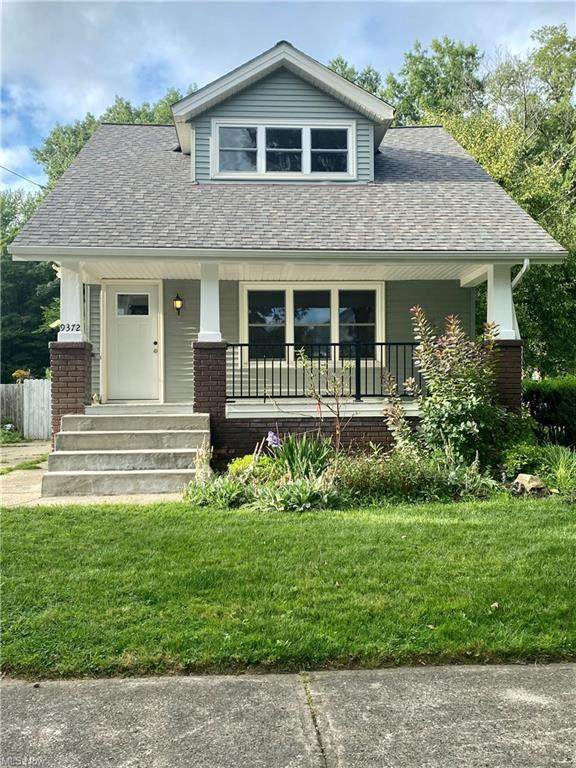 9372 Stonington, Parma Heights, OH 44130 (MLS #4309905) :: The Holden Agency
