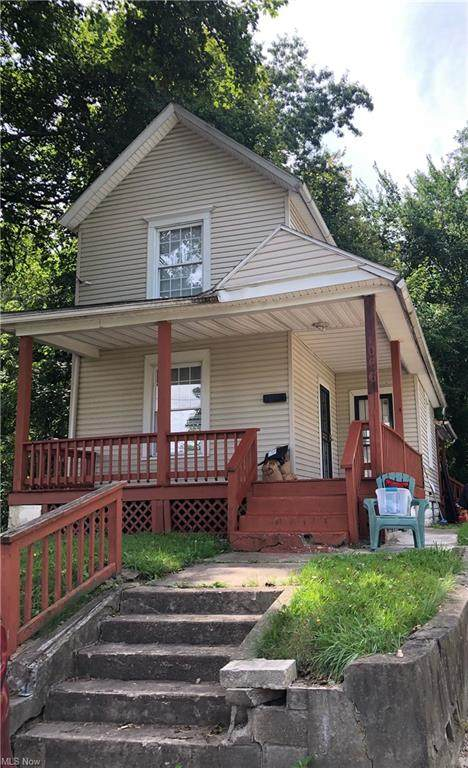 1066 Raymond Street, Akron, OH 44307 (MLS #4310351) :: The Holly Ritchie Team
