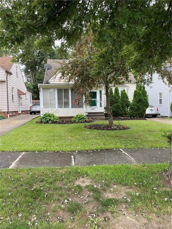 14412 Brunswick Avenue, Maple Heights, OH 44137 (MLS #4311117) :: The Holden Agency
