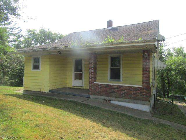 64471 Hilltop Avenue, Bellaire, OH 43906 (MLS #4312074) :: The Holden Agency