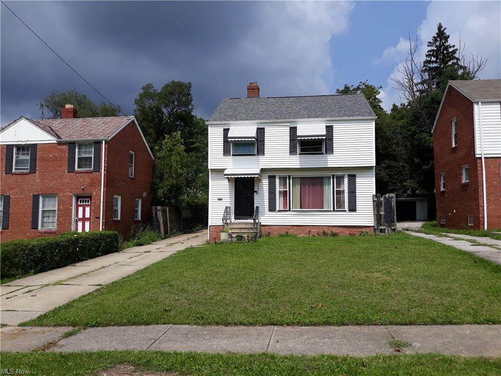 17425 Throckley Avenue - Photo 1