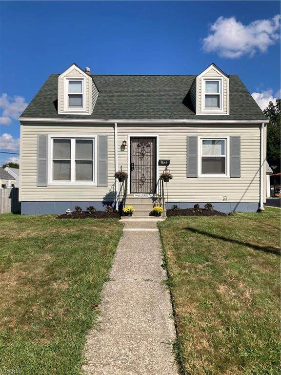 901 E 224th Street, Euclid, OH 44123 (MLS #4313039) :: The Holden Agency