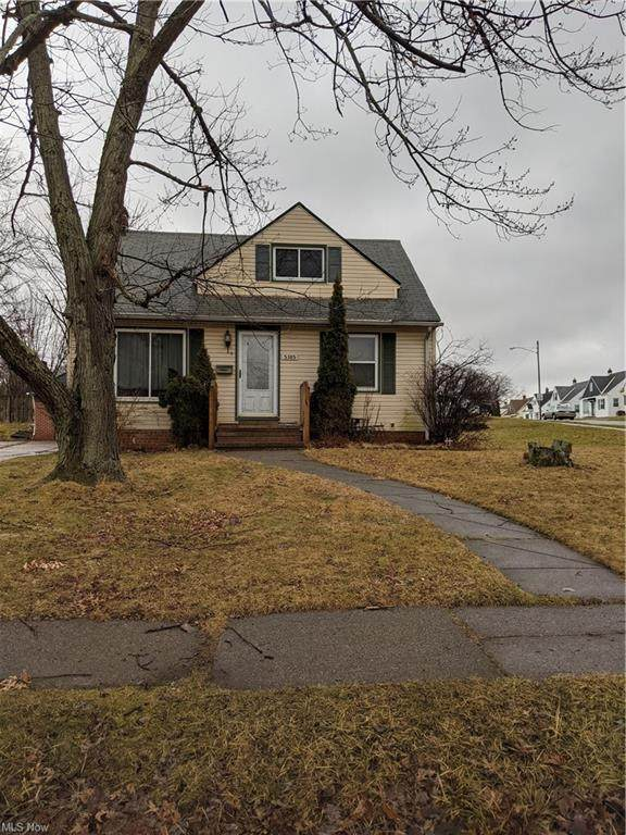 5385 Auburn, Maple Heights, OH 44137 (MLS #4314147) :: TG Real Estate