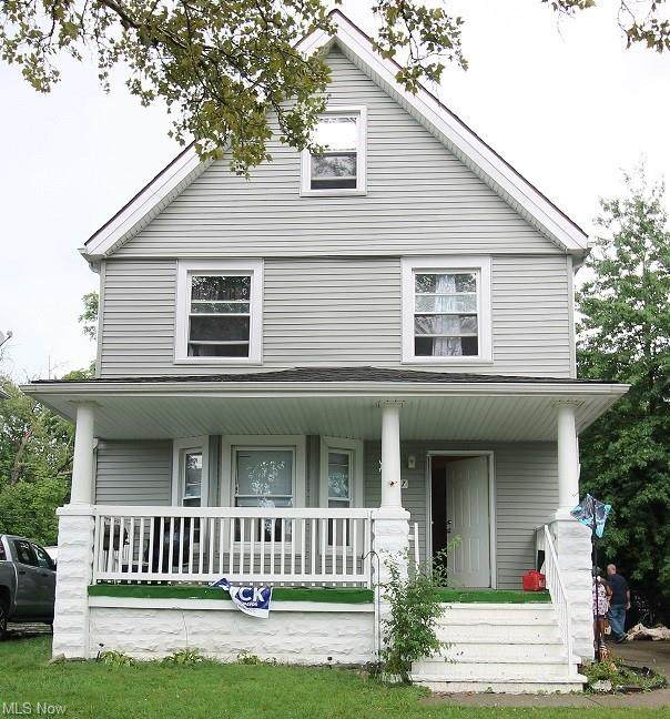 3317 E 137th Street, Cleveland, OH 44120 (MLS #4314304) :: TG Real Estate