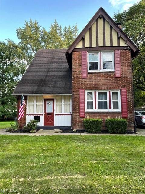 1604 Preston Avenue, Akron, OH 44305 (MLS #4314318) :: The Holden Agency