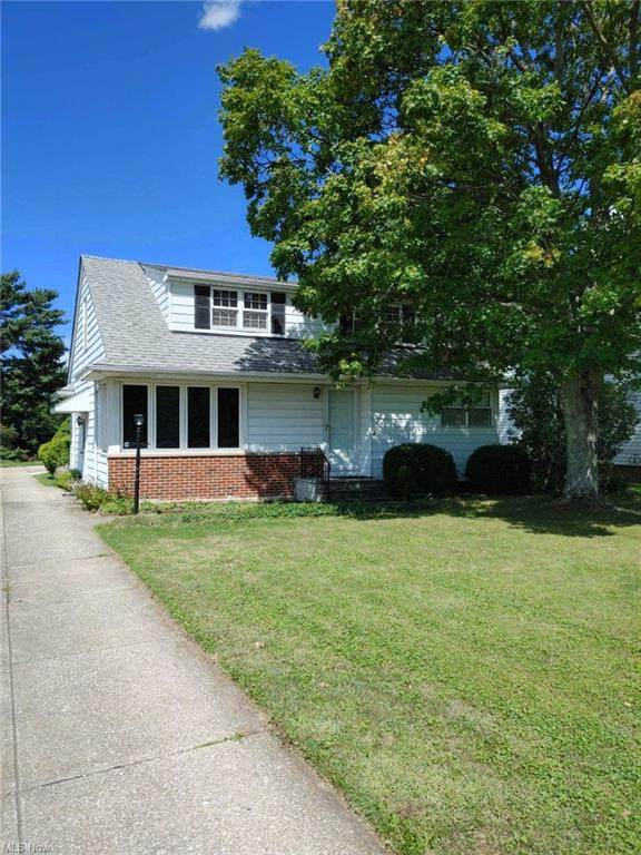 15019 Schreiber Road, Maple Heights, OH 44137 (MLS #4314361) :: TG Real Estate