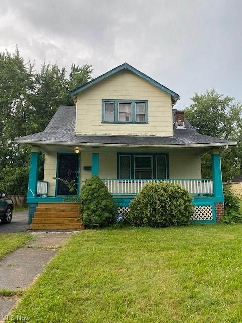 13819 Cranwood Drive, Garfield Heights, OH 44105 (MLS #4314512) :: TG Real Estate
