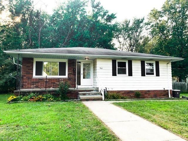 961 North Avenue, Painesville, OH 44077 (MLS #4316462) :: Keller Williams Chervenic Realty