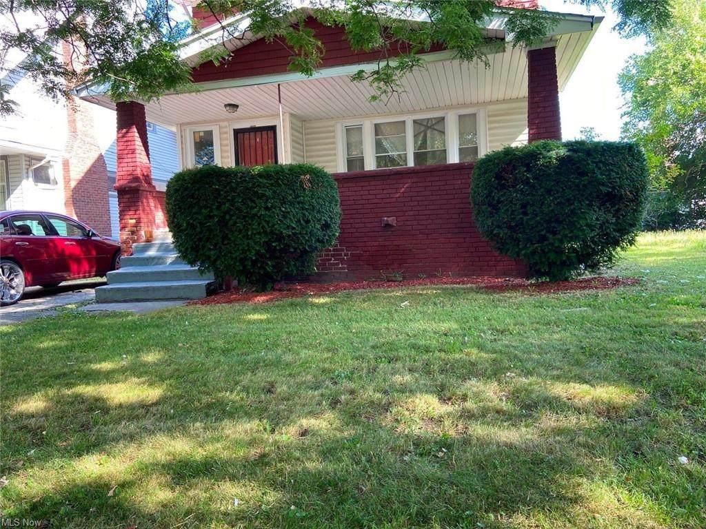 11805 Castlewood Avenue - Photo 1