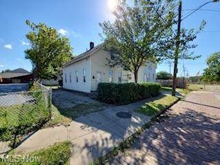 5921 Merrill Avenue, Cleveland, OH 44102 (MLS #4317753) :: RE/MAX Edge Realty