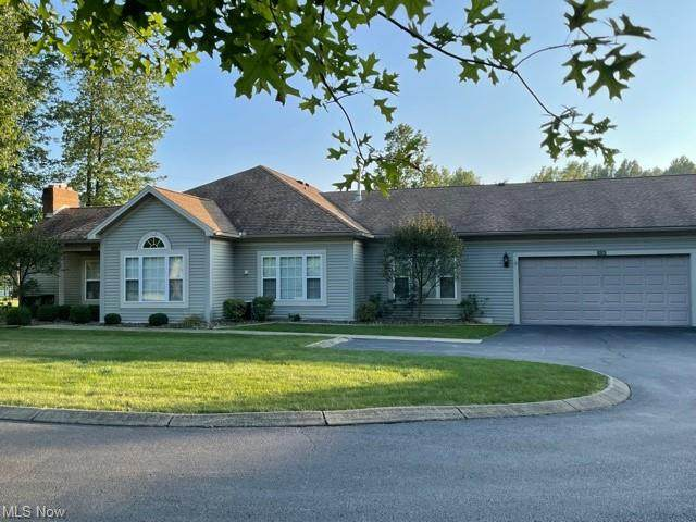 15 Hunters Woods Blvd D, Canfield, OH 44406 (MLS #4317830) :: The Jess Nader Team | REMAX CROSSROADS