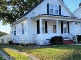 1933 Myrtle Avenue, Zanesville, OH 43701 (MLS #4319623) :: The Holden Agency