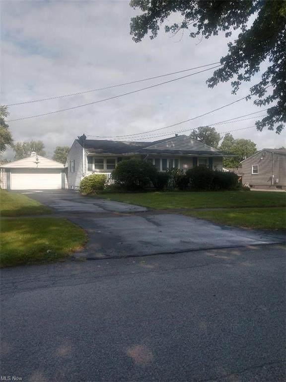 614 Elmwood Drive, Hubbard, OH 44425 (MLS #4319675) :: The Jess Nader Team   REMAX CROSSROADS