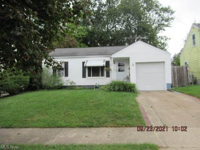 1163 Crestview Avenue, Akron, OH 44320 (MLS #4319765) :: The Crockett Team, Howard Hanna