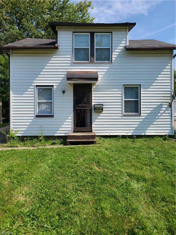 4581 E 173 Street, Cleveland, OH 44128 (MLS #4319902) :: Keller Williams Legacy Group Realty