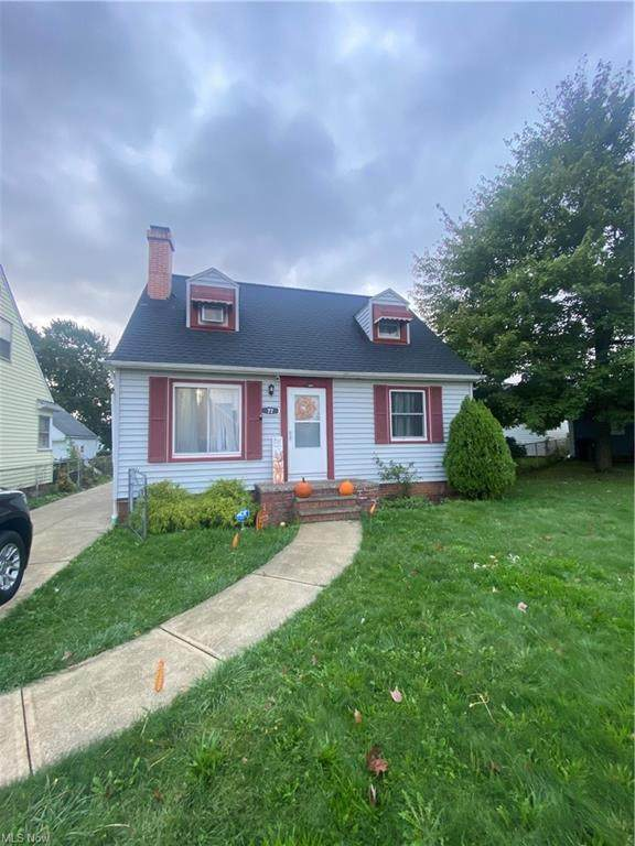 5773 Frankfort Avenue, Parma, OH 44129 (MLS #4320059) :: The Holden Agency
