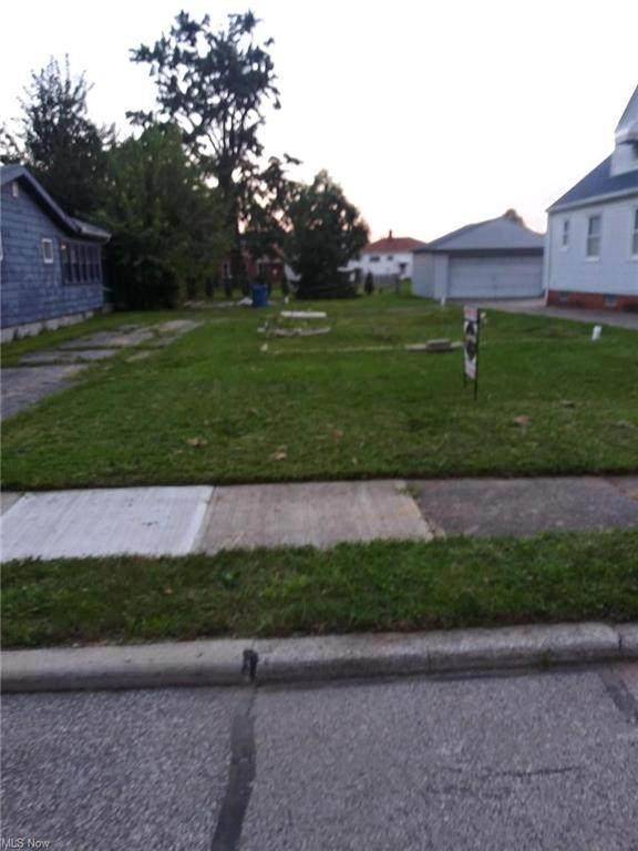284 E 317th Street, Willowick, OH 44095 (MLS #4320135) :: Jackson Realty