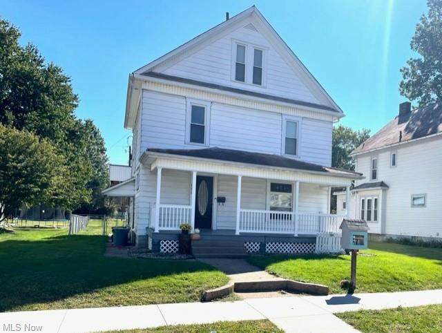 860 Miller Avenue NW, New Philadelphia, OH 44663 (MLS #4322319) :: The Holly Ritchie Team
