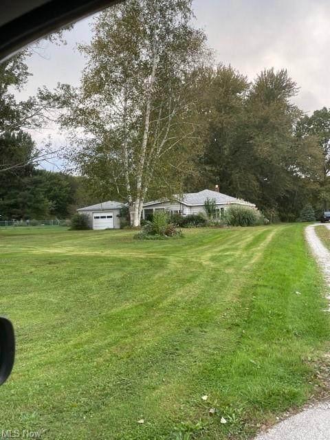 8007 Center Road, Ashtabula, OH 44004 (MLS #4323066) :: Tammy Grogan and Associates at Keller Williams Chervenic Realty