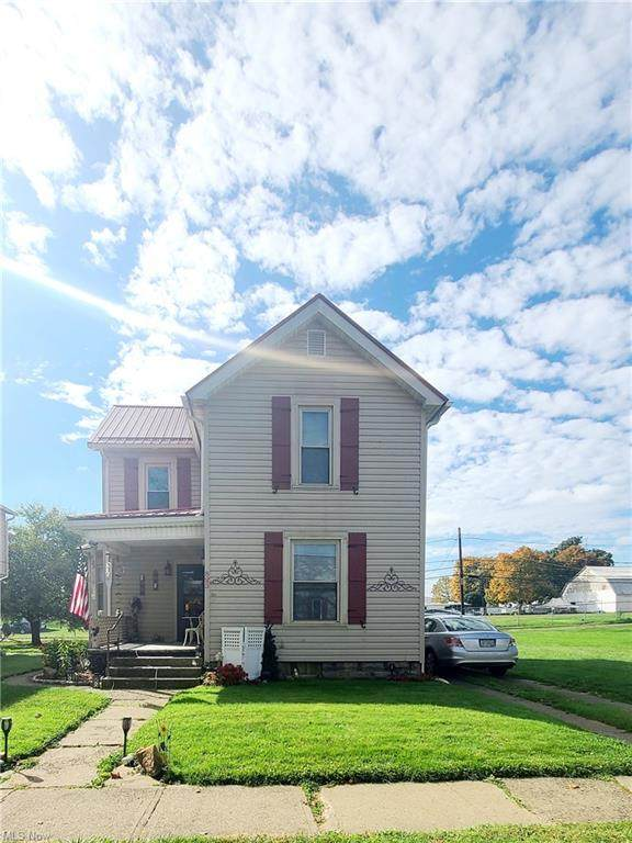 823 Kenilworth Avenue, Coshocton, OH 43812 (MLS #4323651) :: The Holly Ritchie Team