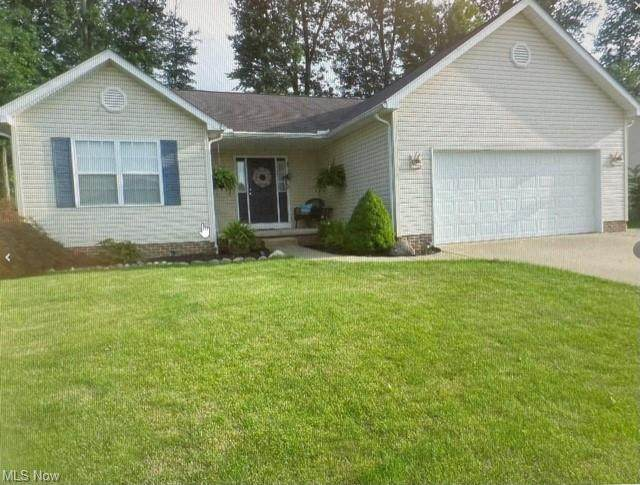 1059 Yorkshire, Ravenna, OH 44266 (MLS #4324341) :: The Holly Ritchie Team