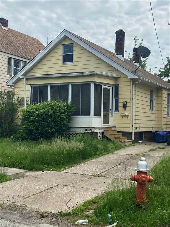 14414 Kingsford Avenue, Cleveland, OH 44128 (MLS #4324374) :: RE/MAX Edge Realty