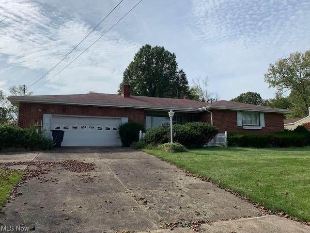 1641 Coventry, Warren, OH 44483 (MLS #4324516) :: Keller Williams Legacy Group Realty
