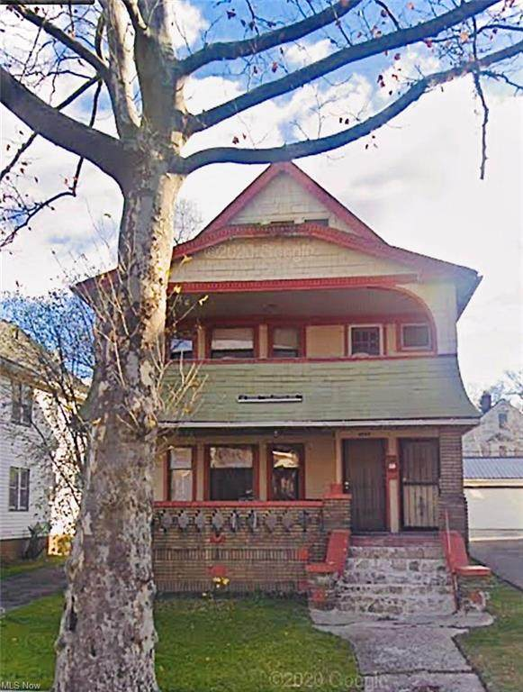 3527 E 151st Street, Cleveland, OH 44120 (MLS #4327414) :: Keller Williams Legacy Group Realty