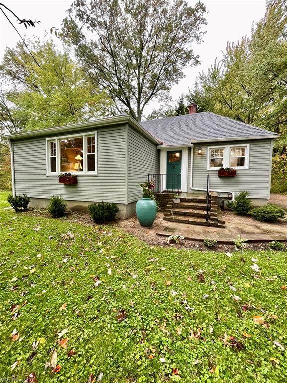 6786 Stearns Road, North Olmsted, OH 44070 (MLS #4328343) :: Tammy Grogan and Associates at Keller Williams Chervenic Realty