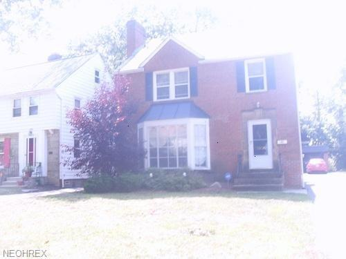 3930 Lansdale Rd, University Heights, OH 44118 (MLS #3979022) :: The Crockett Team, Howard Hanna