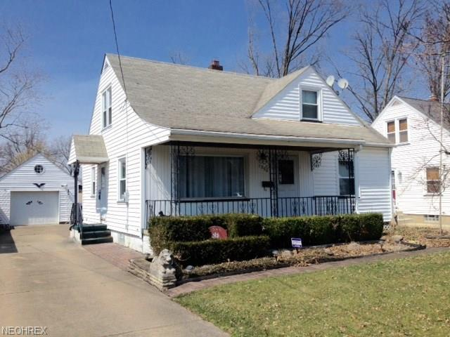 1390 Eastland Ave SE, Warren, OH 44484 (MLS #3980447) :: Keller Williams Chervenic Realty