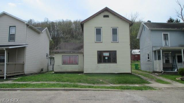 540 E High St, Uhrichsville, OH 44683 (MLS #3998158) :: The Crockett Team, Howard Hanna