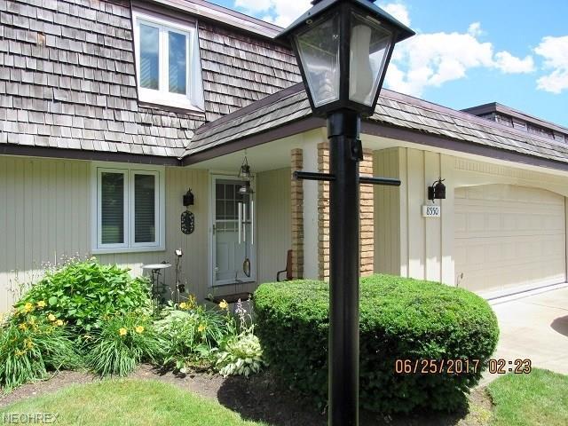 8550 Tanglewood Trl, Chagrin Falls, OH 44023 (MLS #4010498) :: The Crockett Team, Howard Hanna
