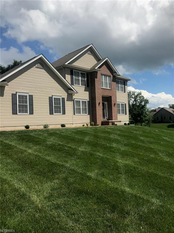 1094 Countryside Dr NW, Carrollton, OH 44615 (MLS #4014529) :: RE/MAX Edge Realty
