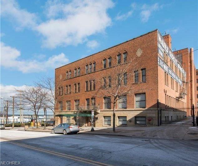 1133 W 9th St #306, Cleveland, OH 44113 (MLS #4015101) :: RE/MAX Trends Realty