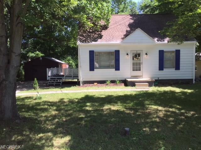 3301 Linda St, Akron, OH 44319 (MLS #4018543) :: RE/MAX Edge Realty