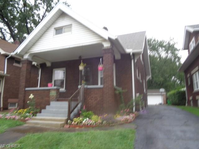 3889 E 43rd St, Newburgh Heights, OH 44105 (MLS #4024139) :: The Crockett Team, Howard Hanna