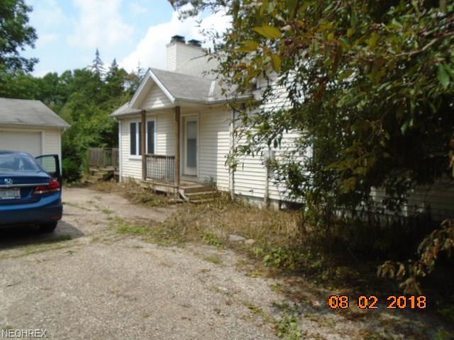 16104 Ravenna, Newbury, OH 44065 (MLS #4024279) :: Keller Williams Chervenic Realty