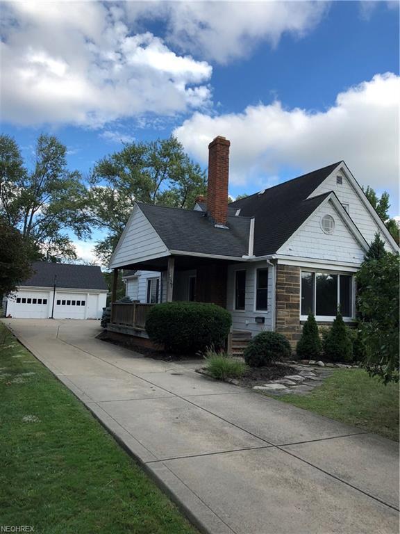 1627 Richmond Rd, Lyndhurst, OH 44124 (MLS #4035289) :: Keller Williams Chervenic Realty