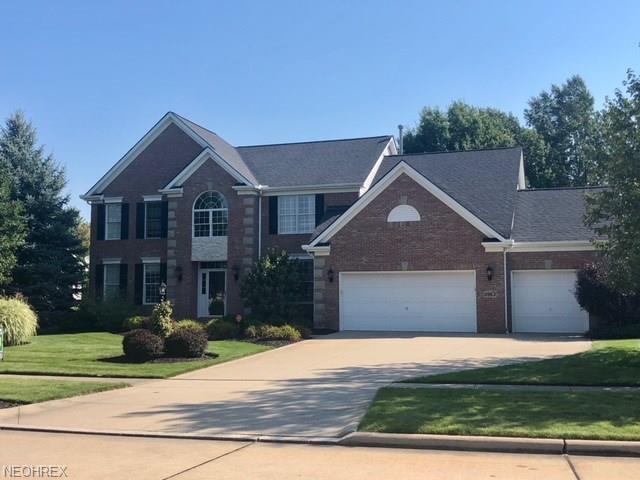 11963 Fox Grove, Strongsville, OH 44149 (MLS #4036317) :: The Crockett Team, Howard Hanna