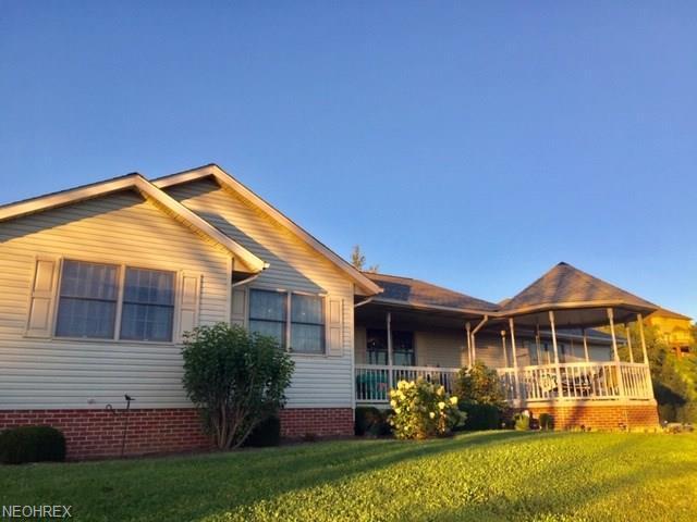 999 Lawnridge St NE, Bolivar, OH 44612 (MLS #4040003) :: RE/MAX Edge Realty