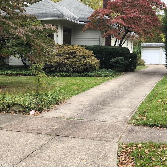 891 Englewood Rd, Cleveland Heights, OH 44118 (MLS #4046297) :: RE/MAX Trends Realty