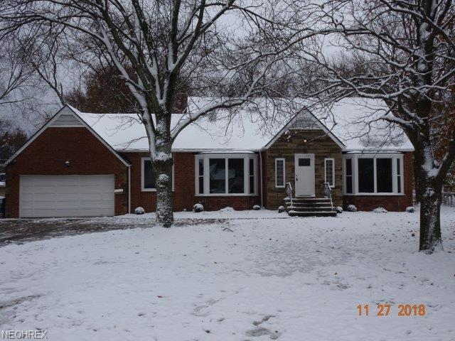 6435 Olde York Rd, Parma Heights, OH 44130 (MLS #4046345) :: The Crockett Team, Howard Hanna
